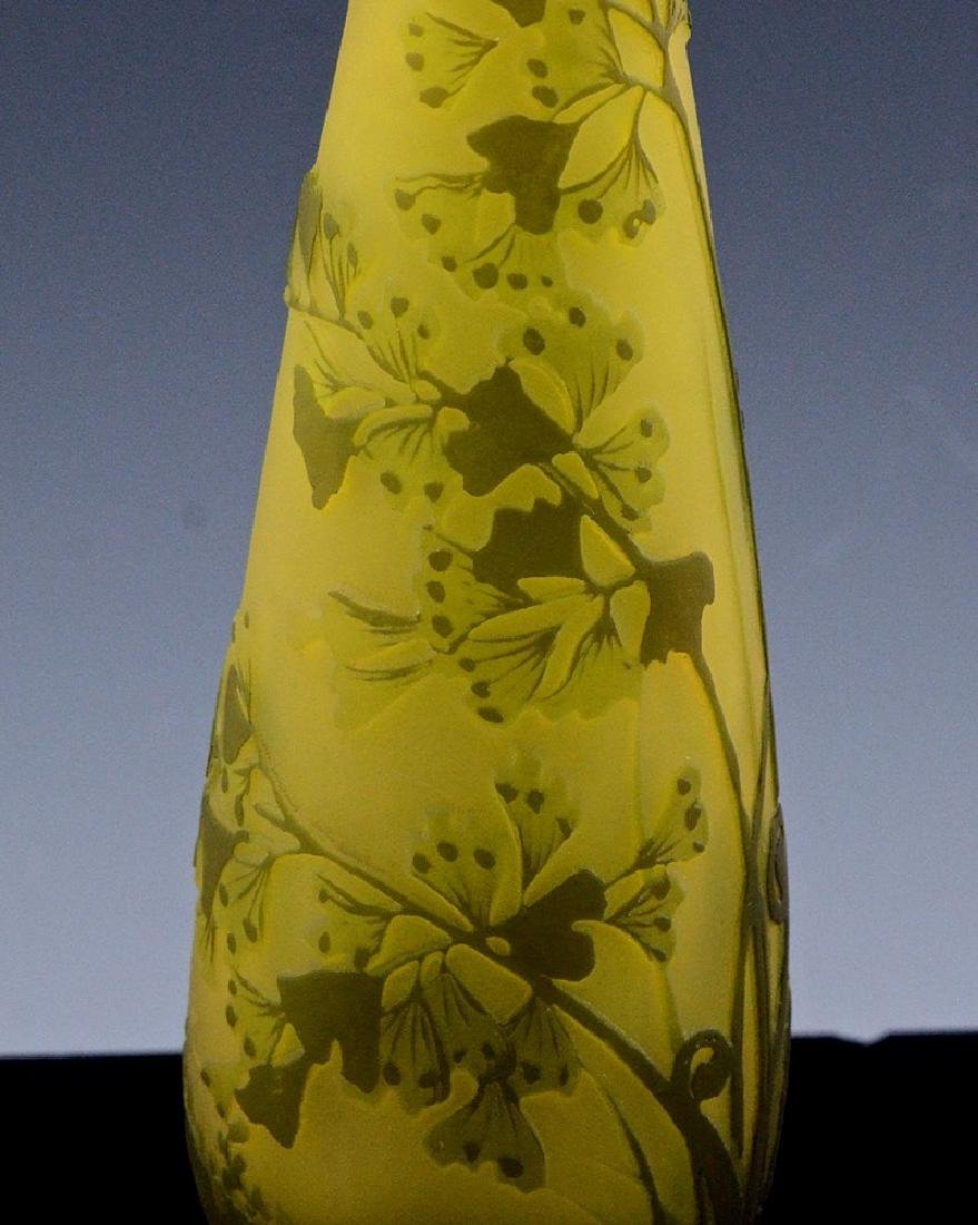 SIGNED GALLE CAMEO CUT ART GLASS FLOWER PATTERN VASE - 6