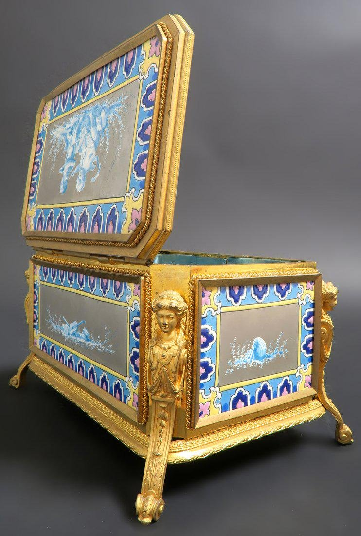 Very Fine French Bronze & Porcelain Figural Jewelry Box - 4