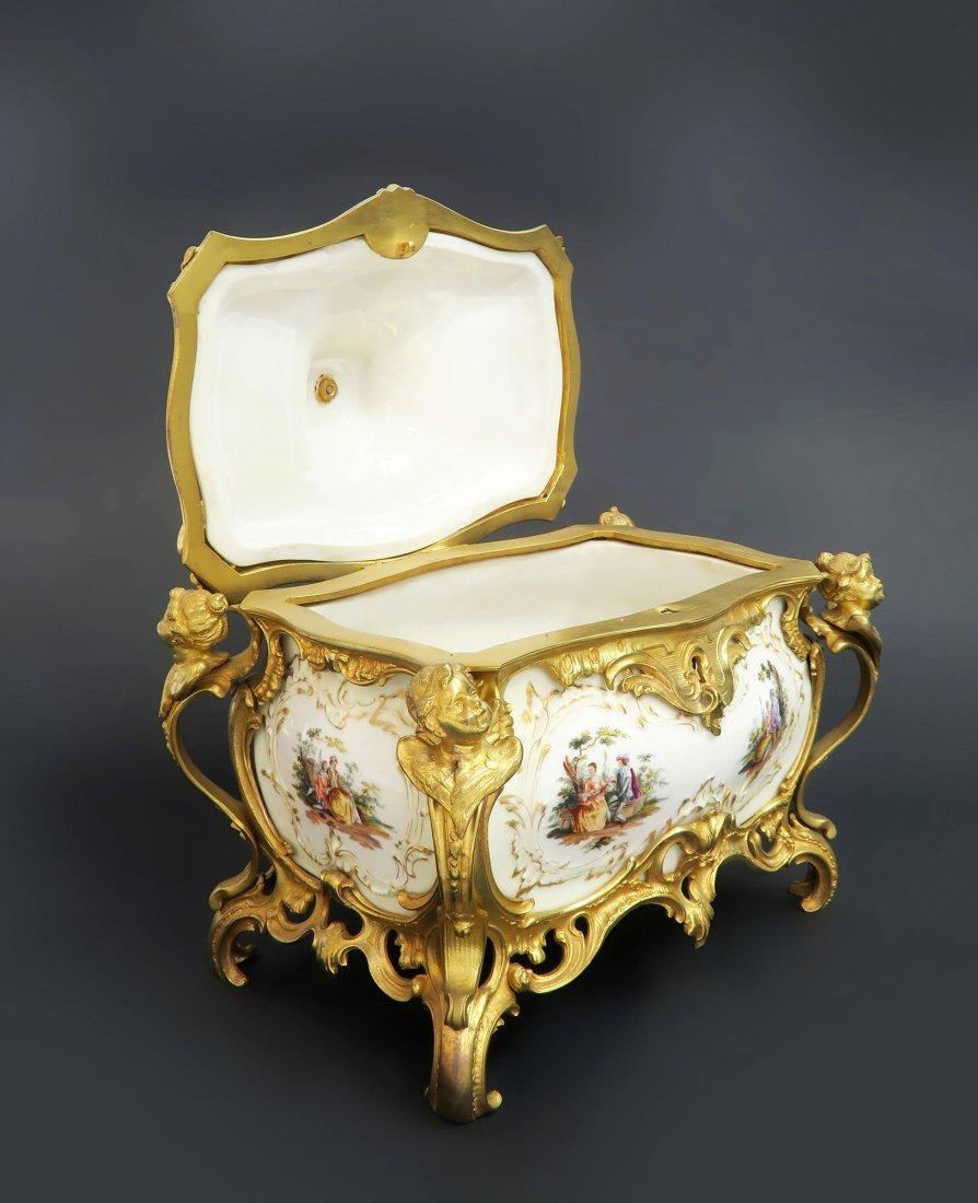 Large KPM Porcelain & Figural Bronze Jewelry Box - 4
