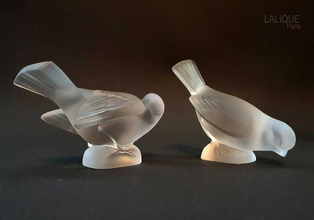 A Pair of LALIQUE Sparrows Crystal Figurine, Signed!