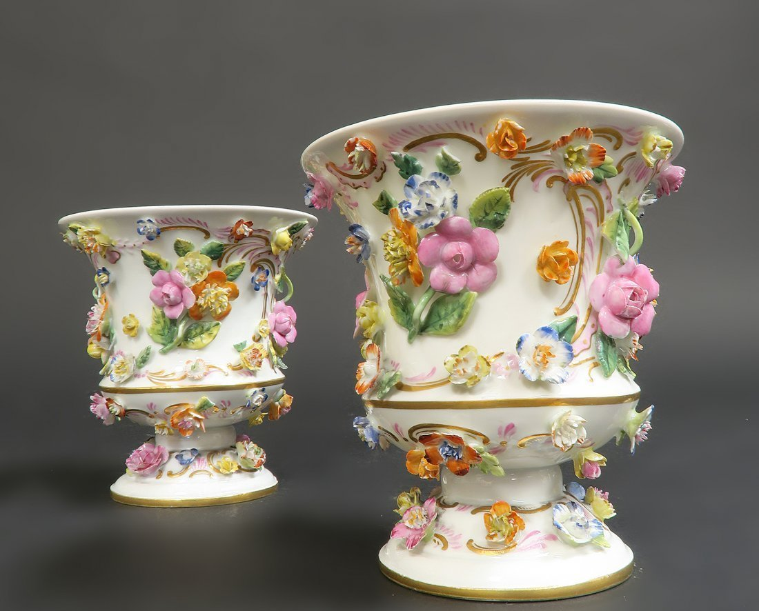 Pair of Meissen Porcelain Applied Flowers Vases - 2