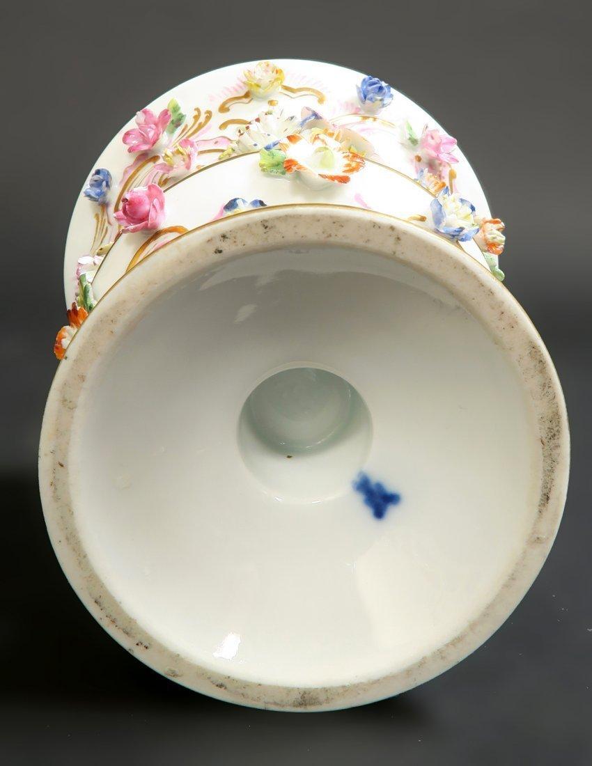 Pair of Meissen Porcelain Applied Flowers Vases - 3