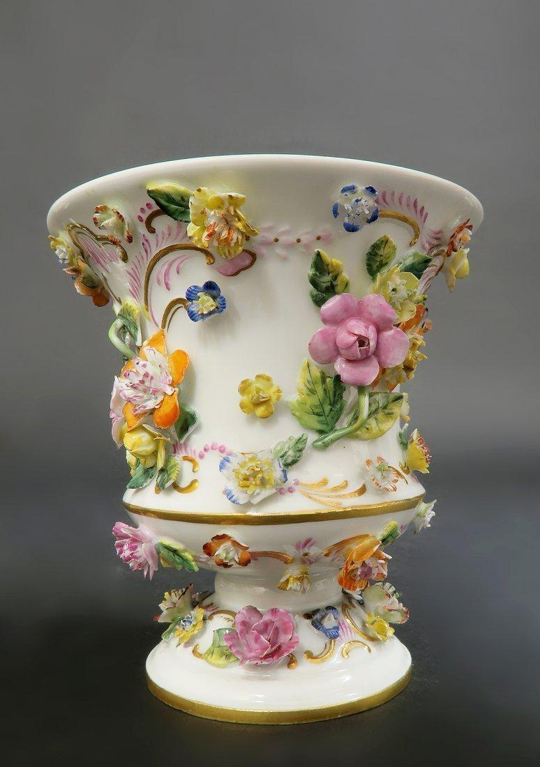Pair of Meissen Porcelain Applied Flowers Vases - 4