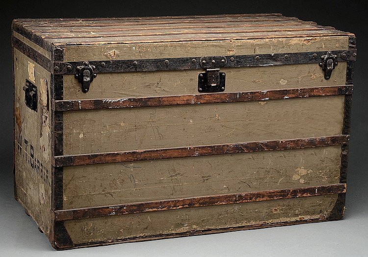 EARLY LOUIS VUITTON TRUNK