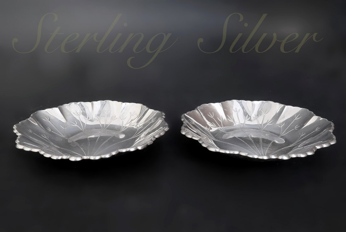A Pair of Sterling Silver Candy Plate - 2
