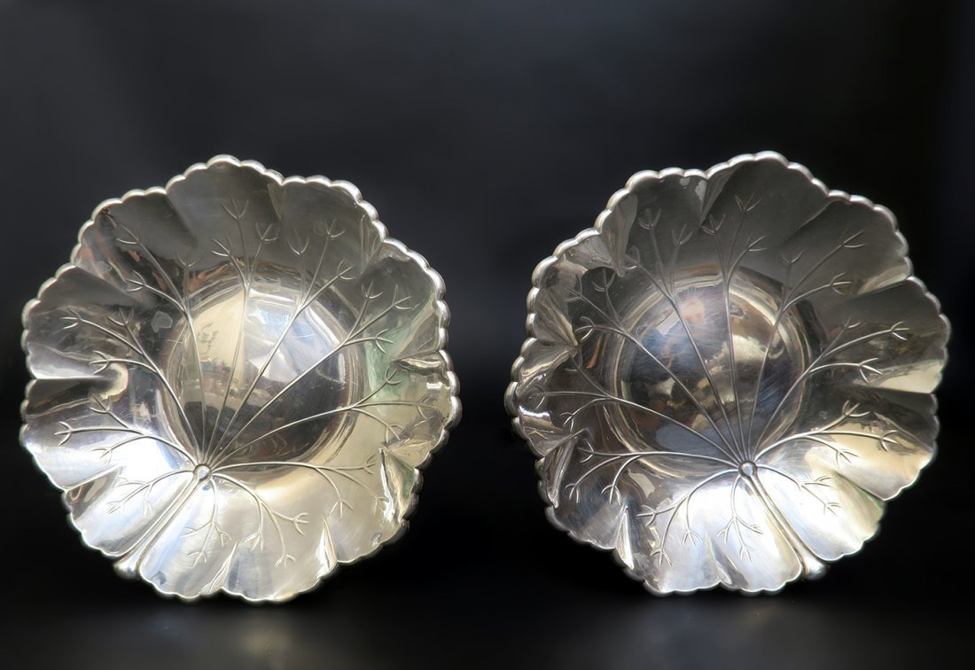A Pair of Sterling Silver Candy Plate - 3