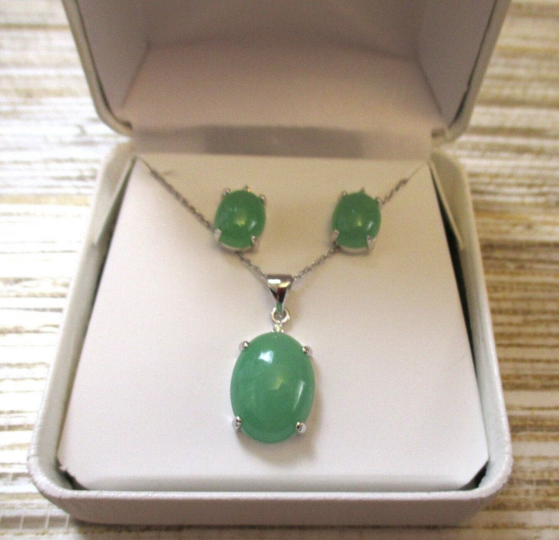 Green Jade and Sterling Silver Pendant Necklace Earring