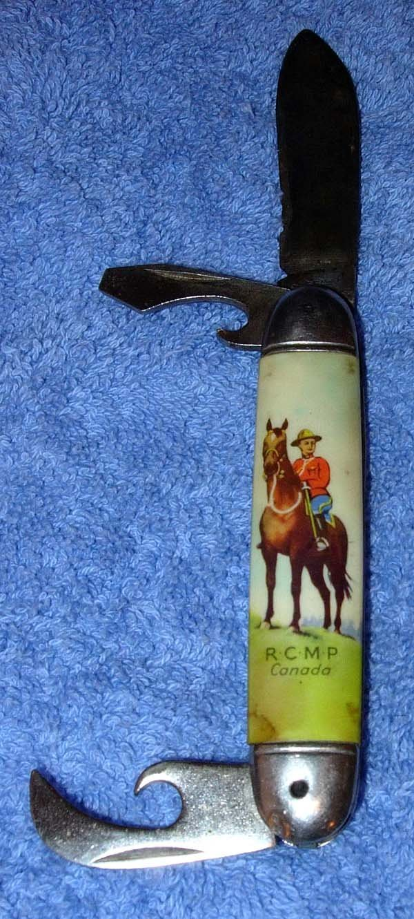 1012: 1950'S RICHARDS CANADA MOUNTED POLICE POCKETKNIFE
