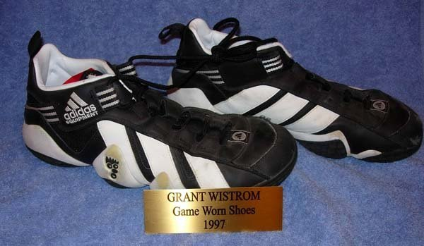 1017: 1997 NEBRASKA GRANT WISTROM GAME USED SHOES
