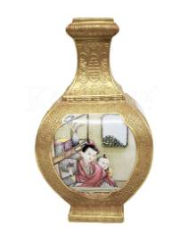 Famille-Rose Gilt-Ground square Vase with Qianlong Mark