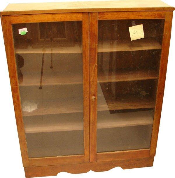 415: Small curio cabinet