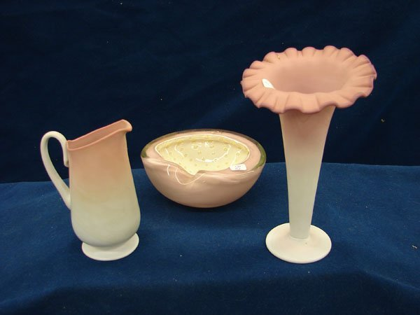 1161: 3 items, bowl, vase and creamer
