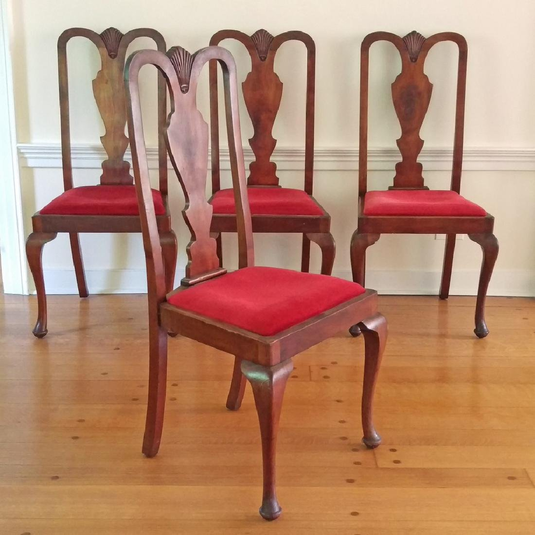 (4pc) QUEEN ANNE STYLE DINING CHAIRS