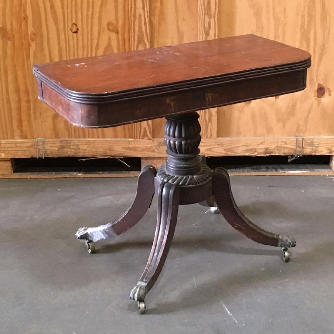 CLASSICAL FEDERAL MAHOGANY GAMES TABLE