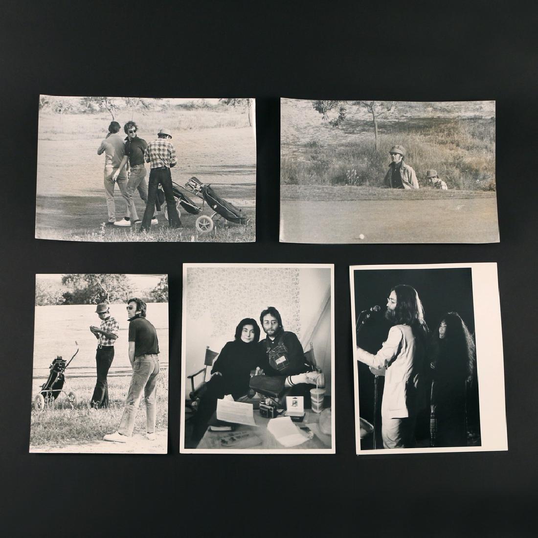 (5pc) RARE PHOTOGRAPHS OF JOHN LENNON & YOKO