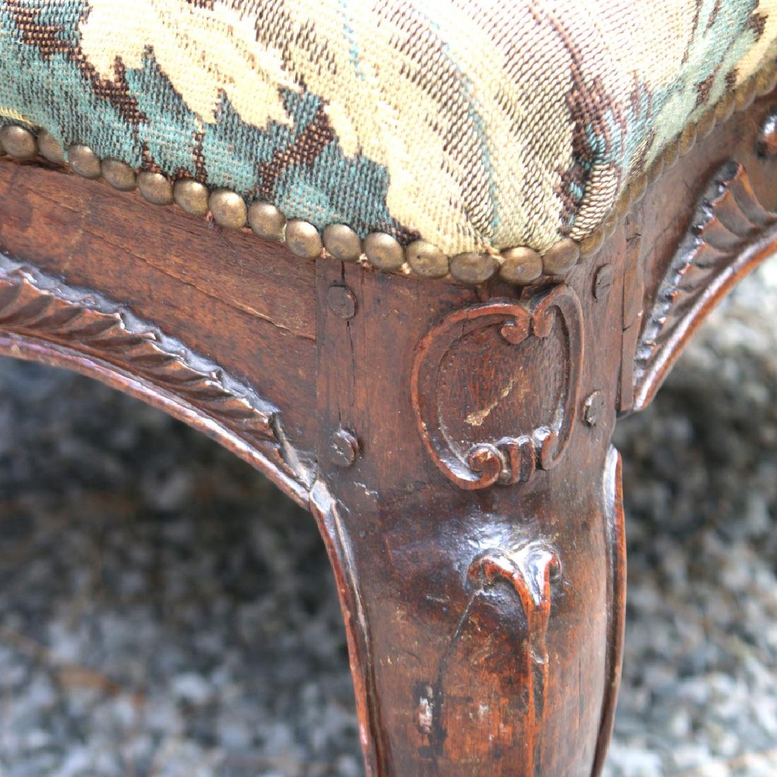 LOUIS XIII-STYLE CARVED WALNUT FAUTEUIL - 9