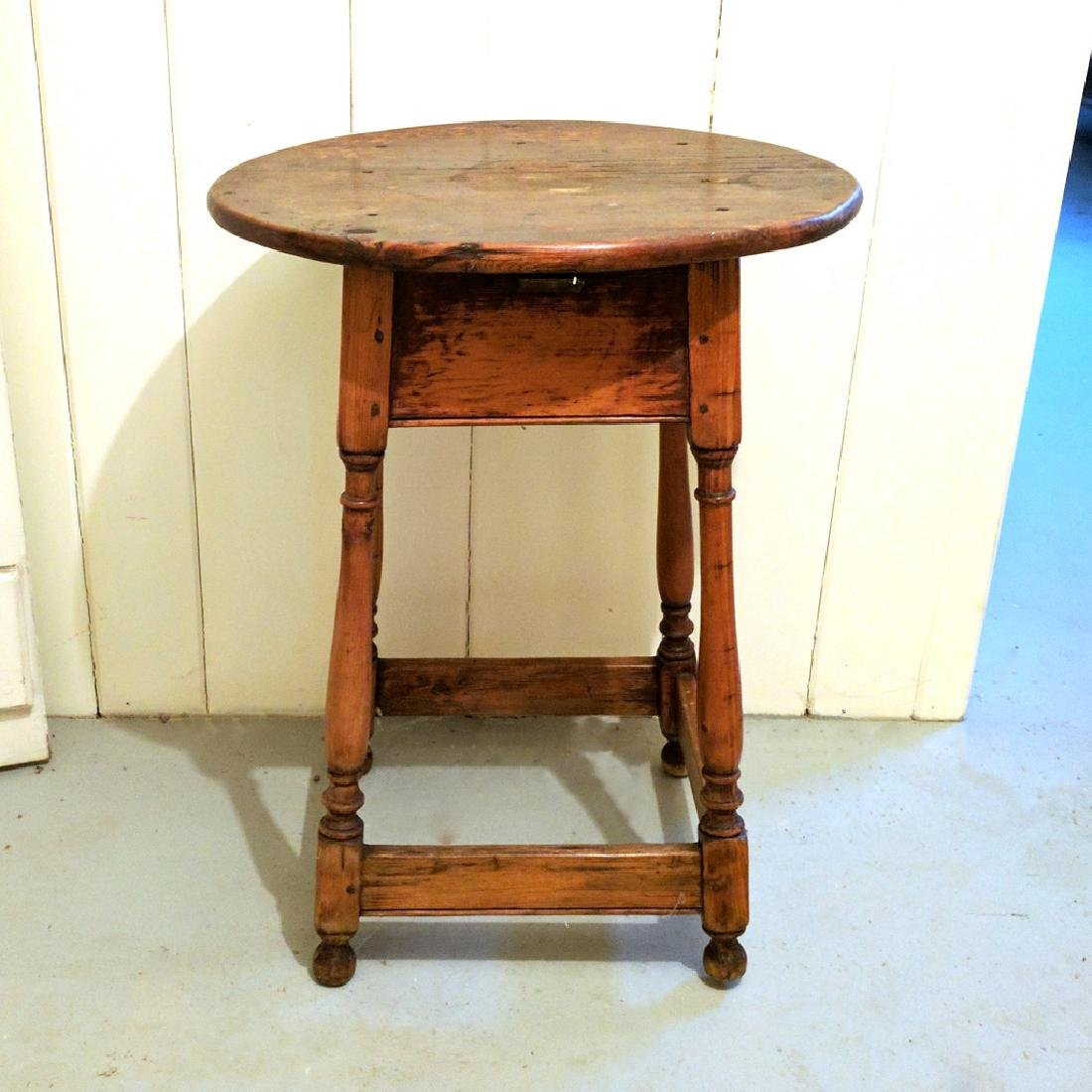 PINE TAVERN TABLE