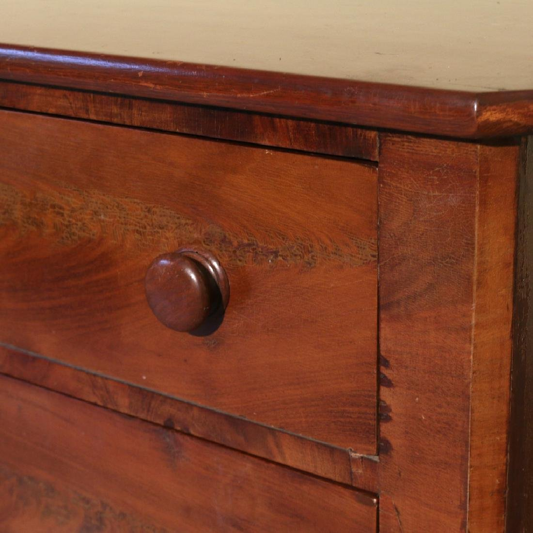 MAHOGANY-VENEER 3-DRAWER CHEST - 2