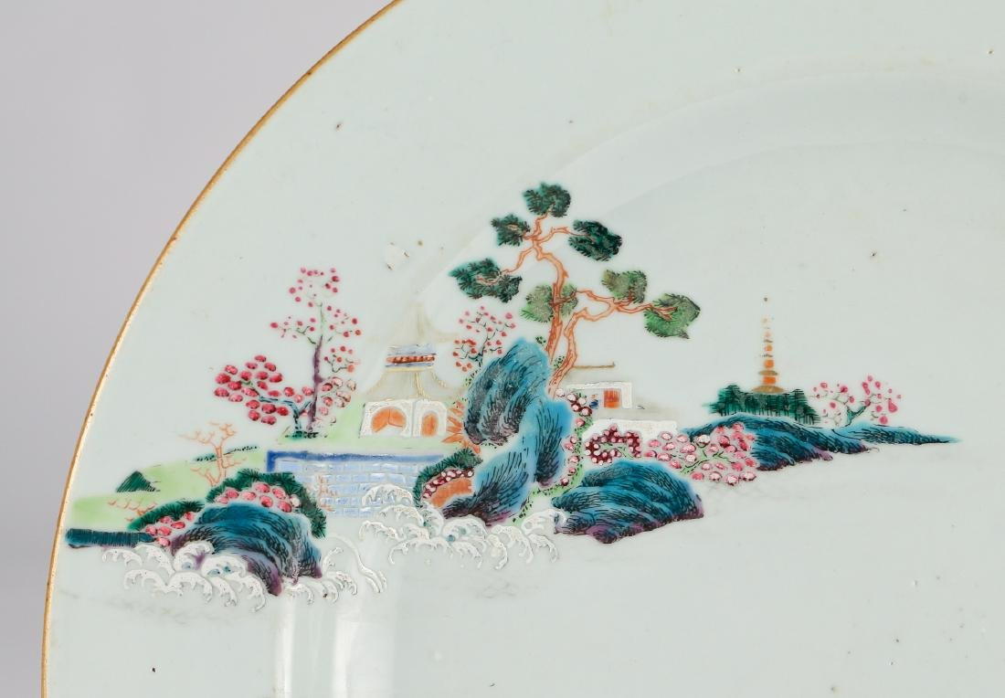 CHINESE EXPORT PORCELAIN CHARGER - 2