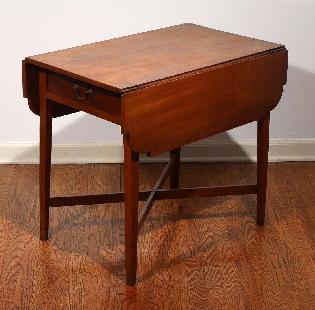 ANTIQUE MAHOGANY PEMBROKE TABLE