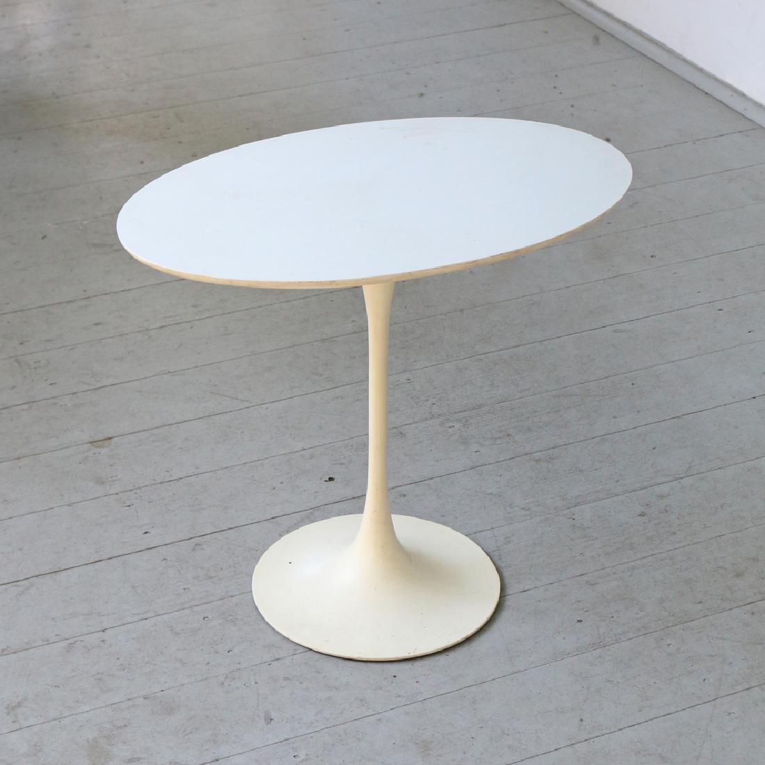 EERO SAARINEN SIDE TABLE