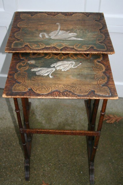 10: 2 NESTING SNACK TABLES W/PAINT DECO SWAN