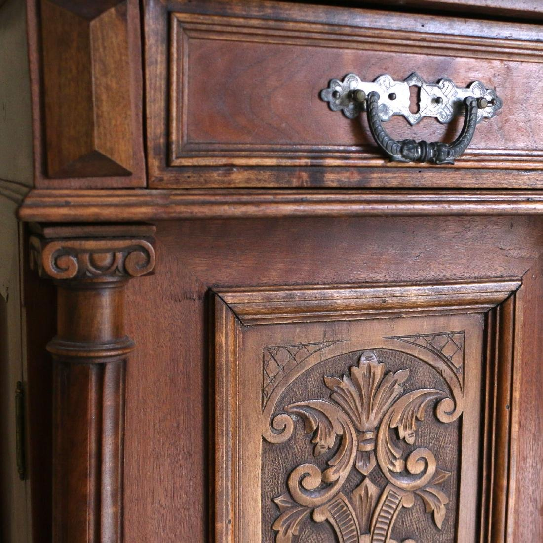 AESTHETIC PERIOD CARVED BEDSIDE TABLE - 3