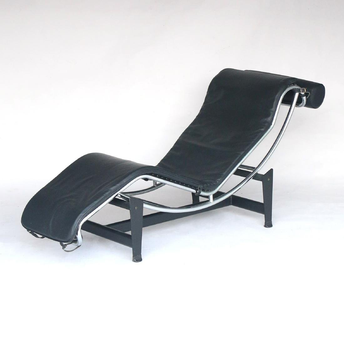 LE COURBOSIER LOUNGE CHAIR