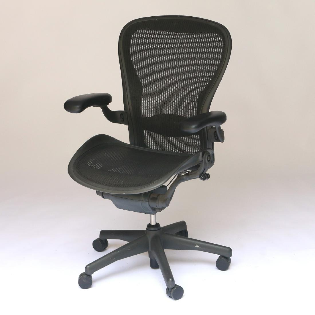 HERMAN MILLER AERON OFFICE CHAIR - 2