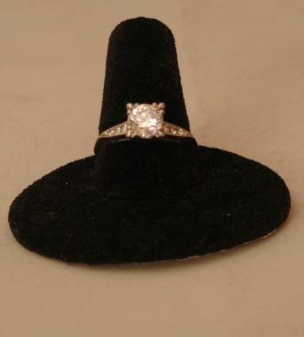 21: PLATINUM & DIAMOND ENGAGEMENT RING