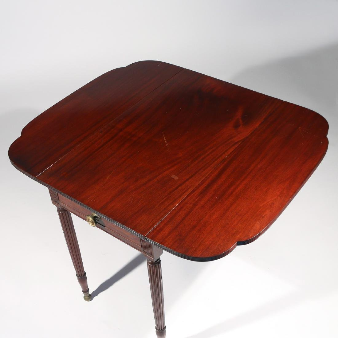 LATE FEDERAL CARVED MAHOGANY PEMBROKE TABLE - 2