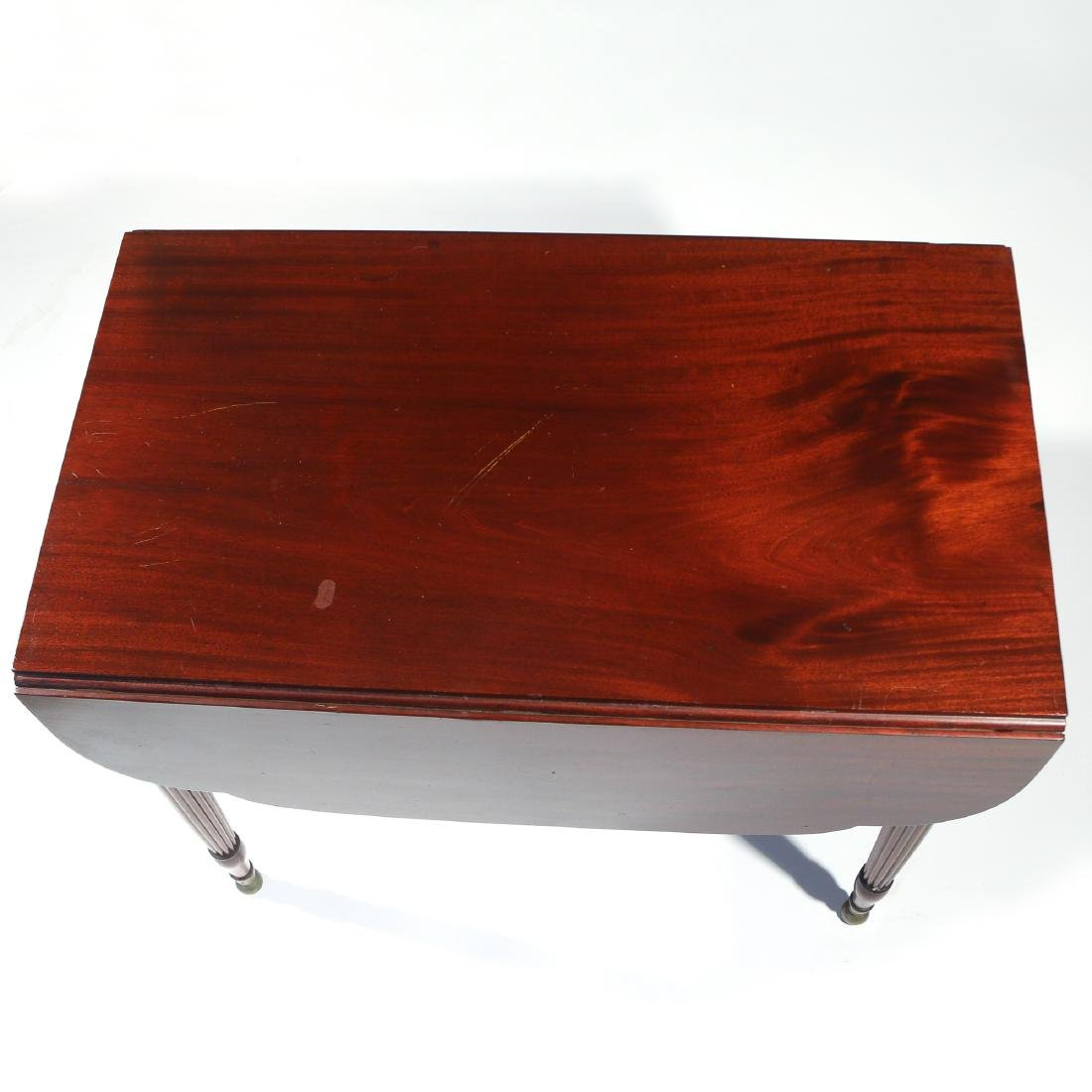 LATE FEDERAL CARVED MAHOGANY PEMBROKE TABLE - 3