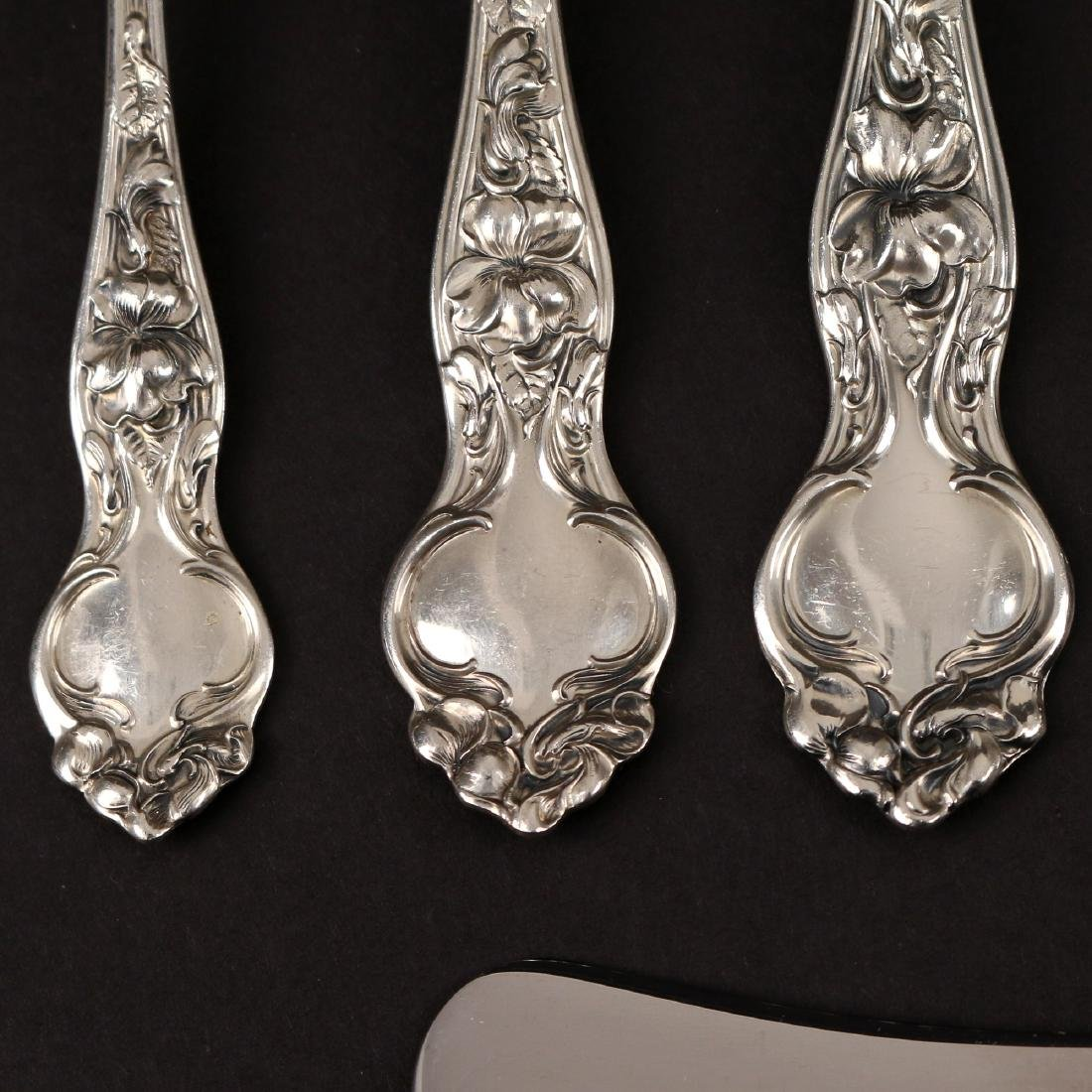 (170pc) WALLACE STERLING SILVER FLATWARE SERVICE - 2