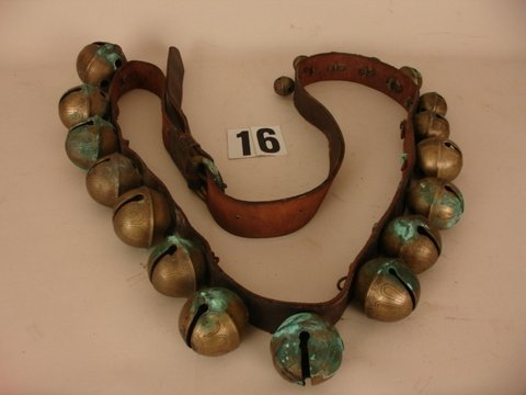 "16) STRING OF 19 SLEIGH BELLS, DIA. 3"" - 1"";"