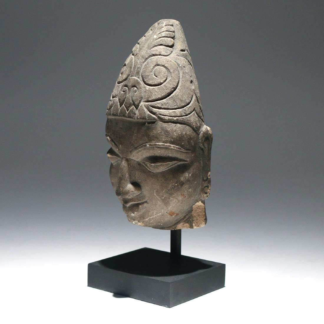 SOUTHEAST ASIAN CARVED STONE HEAD OF BUDDHA