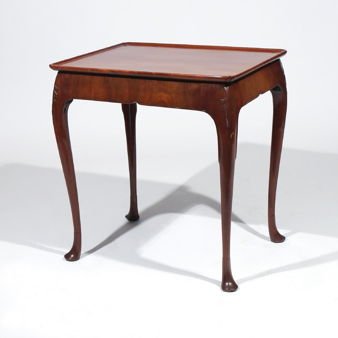 QUEEN ANNE-STYLE MAHOGANY SIDE TABLE