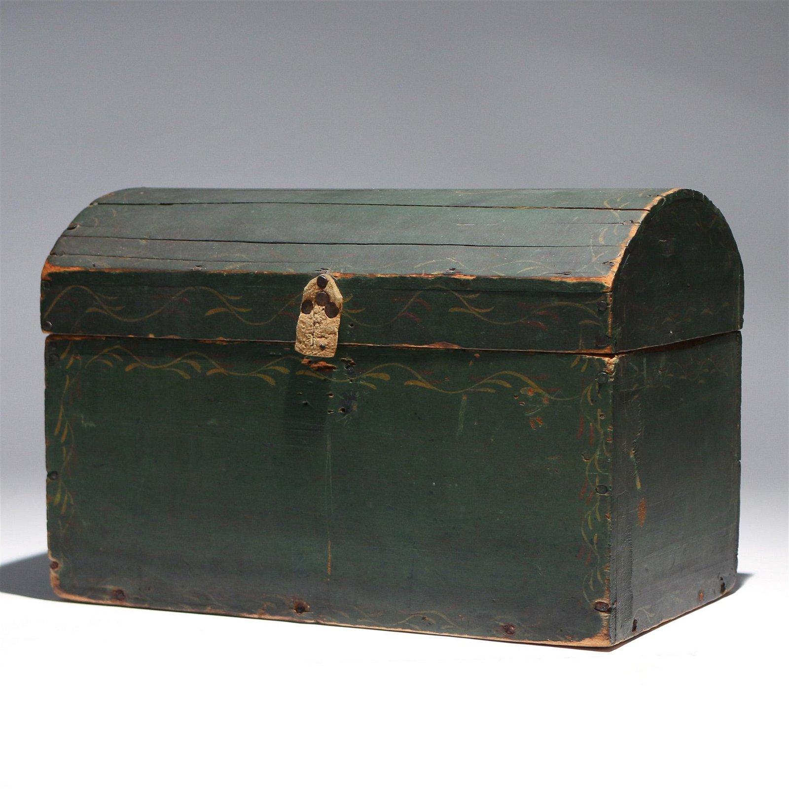 AMERICAN PRIMITIVE PAINTED PINE BOX