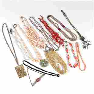 LARGE LOT COSTUME OTHER NECKLACES