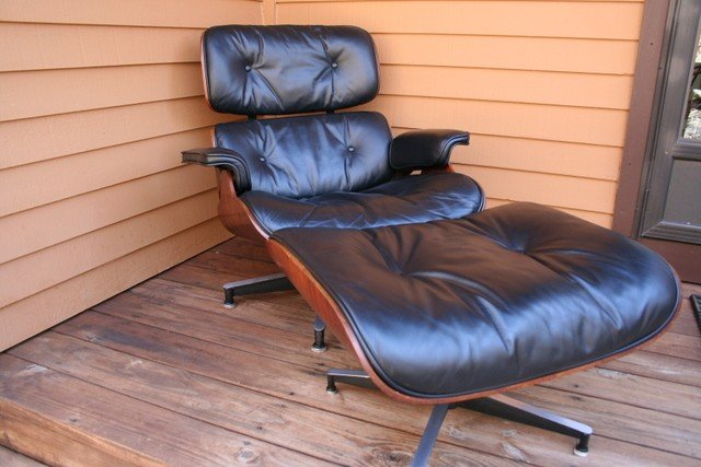 15) ROSEWOOD CHARLES & RAY EAMES LOUNGE 670/671