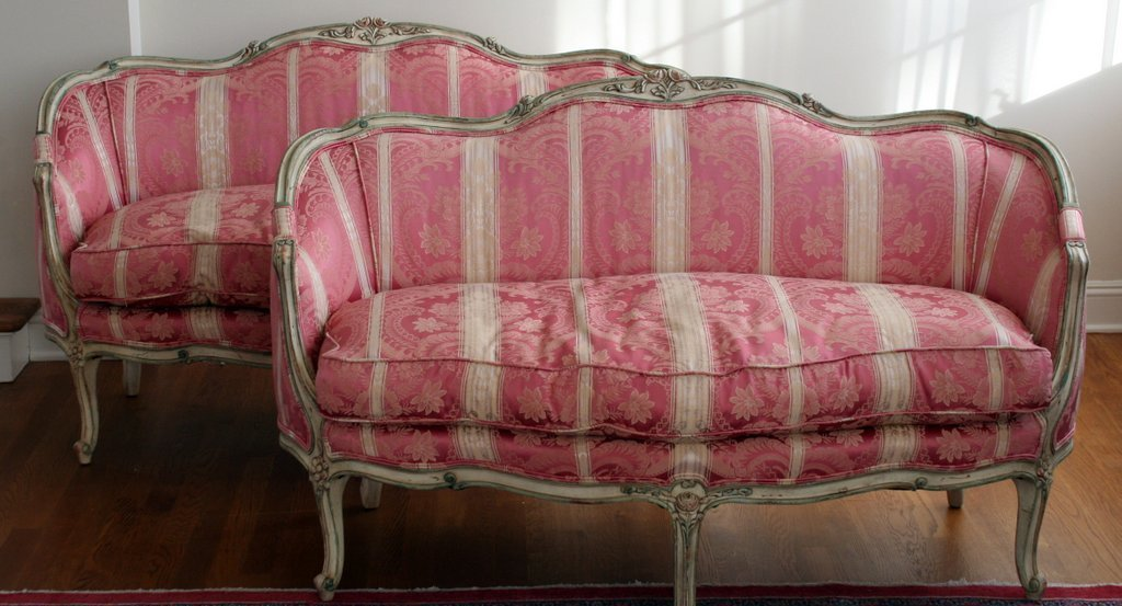 16) PAIR OF LOUIS XV-STYLE CARVED SETTEES with