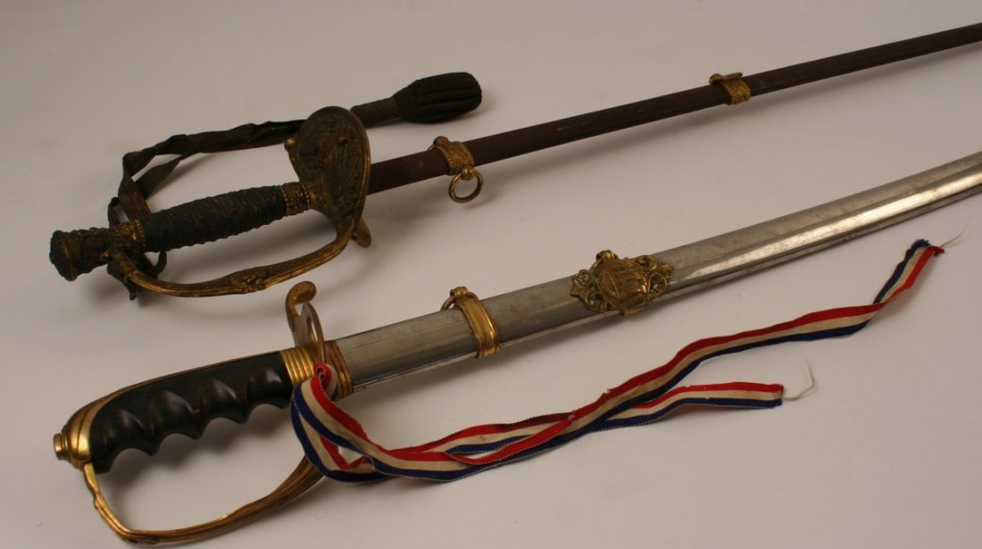 18) 2 CIVIL WAR SWORDS: 1860 MODEL CIVIL WAR