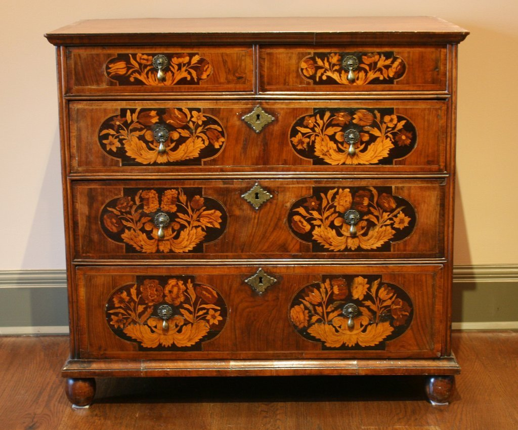 369) E. 18TH C. WILLIAM & MARY WALNUT FLORAL MARQUETRY