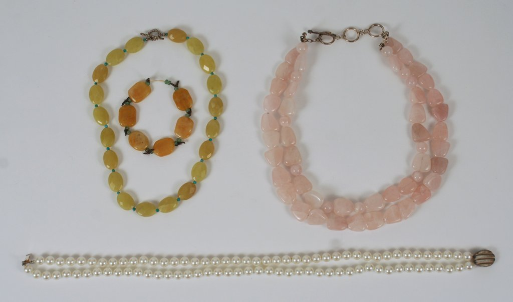9O) GROUP OF COSTUME JEWELRY: 3-NECKLACES