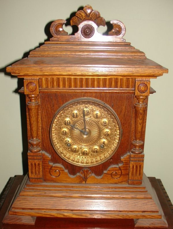 19: ANSONIA 8-DAY SHARON CARVED OAK MANTLE CLOCK W/G