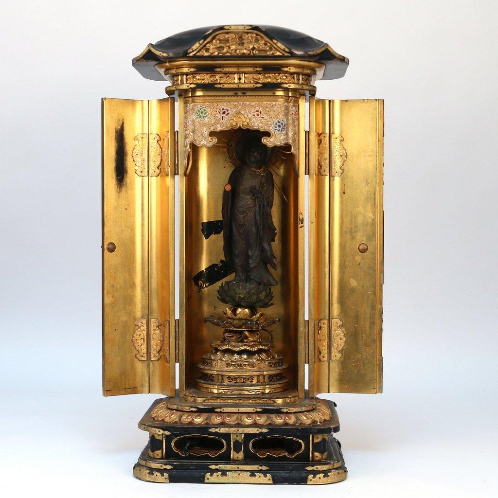 JAPANESE LACQUERED TRAVELING BUDDHIST SHRINE