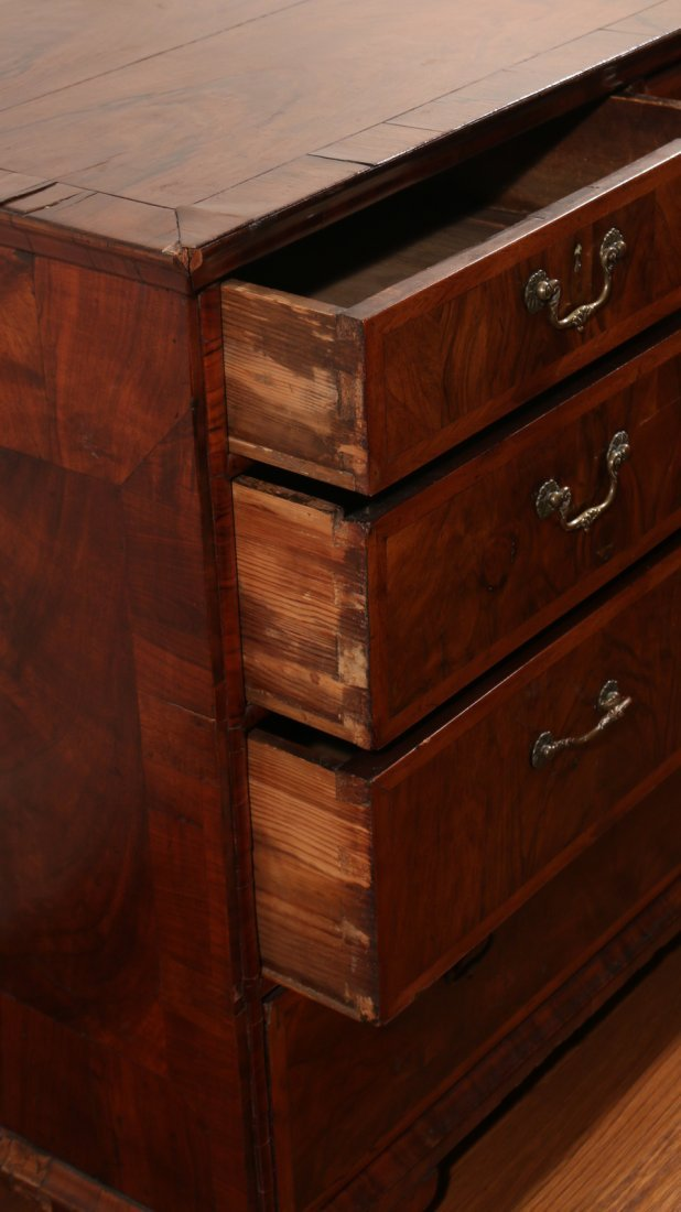 QUEEN ANNE INLAID ROSEWOOD CHEST - 6