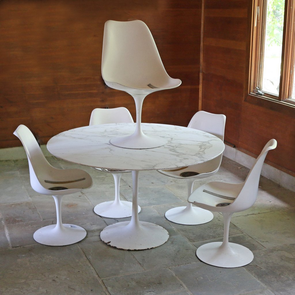 (6pc) EERO SAARINEN TULIP TABLE & CHAIRS
