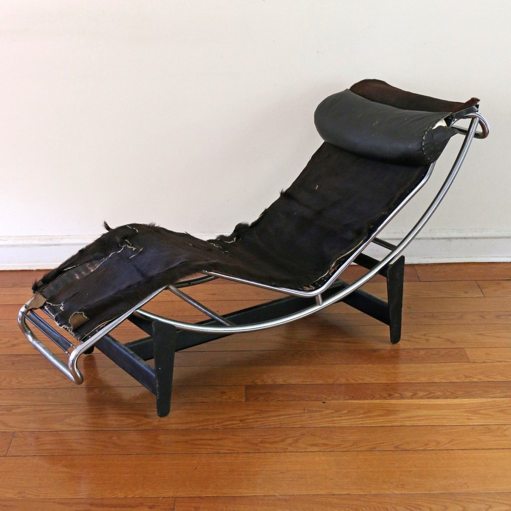 LE CORBUSIER-STYLE LC4 LOUNGE CHAIR