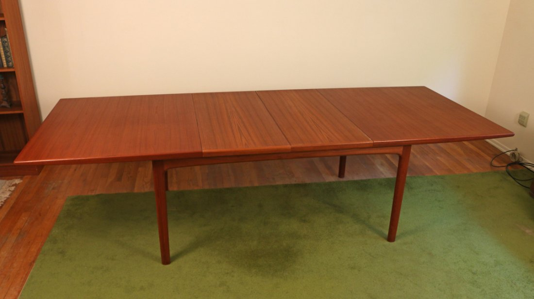 DUX EXTENSION DINING TABLE - 5