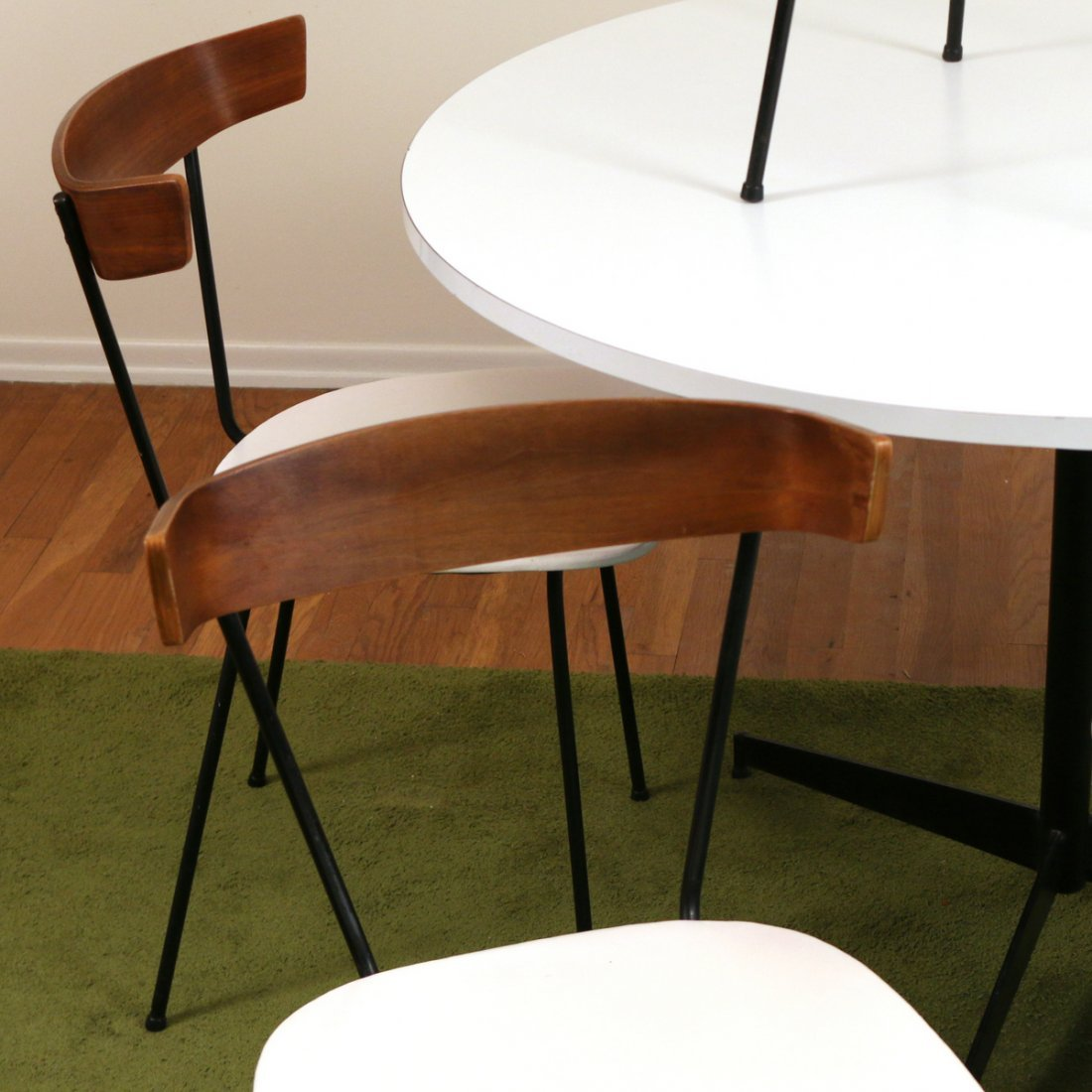 (6pc) MID CENTURY DINETTE TABLE & CHAIRS - 2